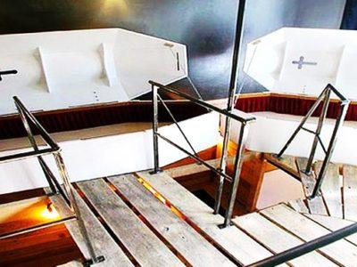 Le Propeller Island Hotel, situé dans le centre de Berlin, propose une trentaine de chambres plus surprenantes les unes que les autres. Du lit qui vole, à la chambre avec lits cercueils, en passant par la chambre à l'envers.