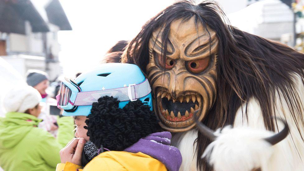 Карнавал монстров в Швейцарии.