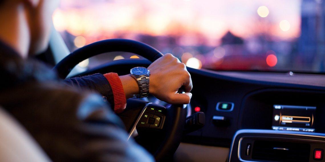 Владельцы BMW и Mercedes часто бывают мудаками - Лайфхакер