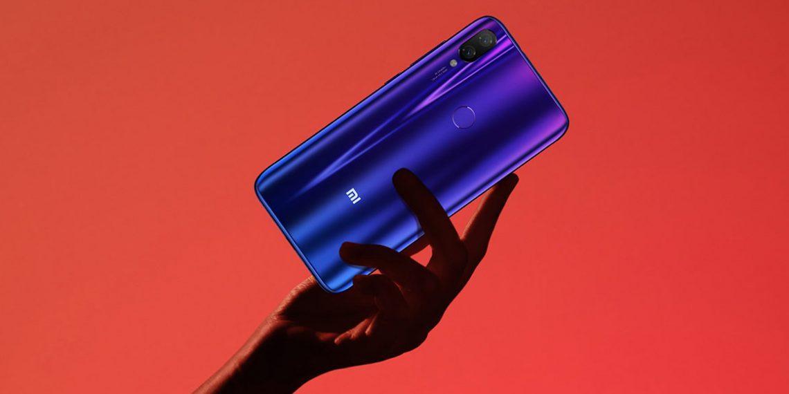 10 самых популярных смартфонов 2019 года