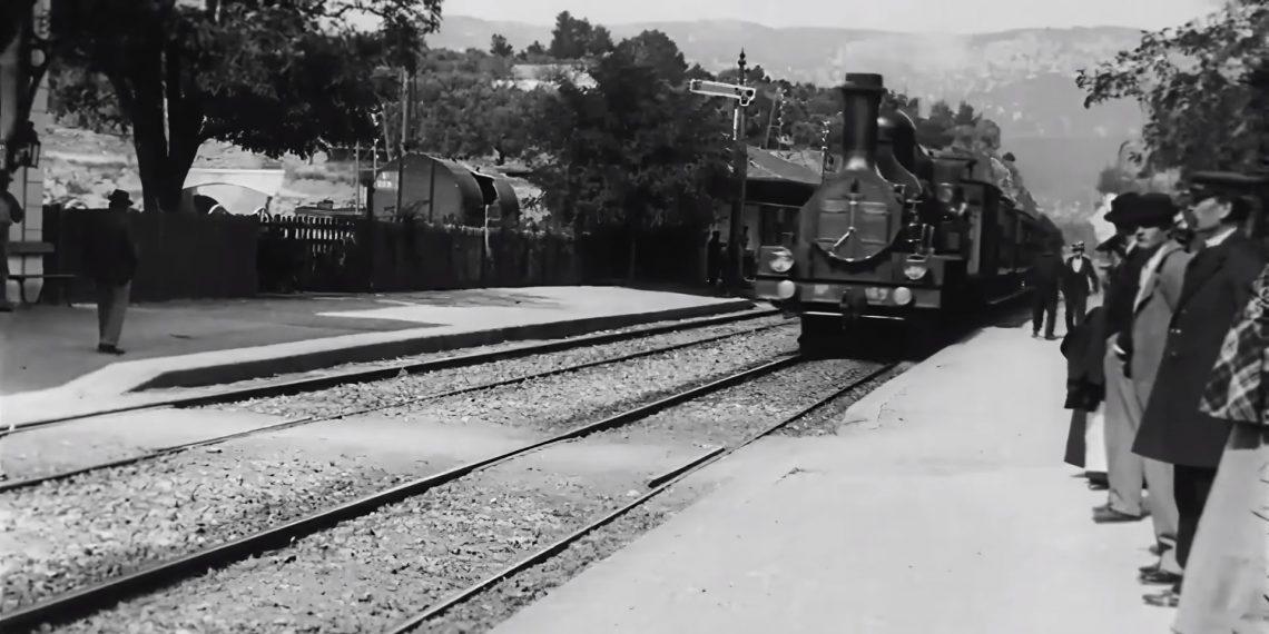 Фильм «Прибытие поезда» 1896 года в 4K с и с 60 FPS - Лайфхакер