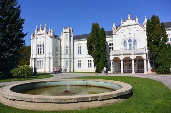 Замок Брунсвик — неоготический замок с богатой историей