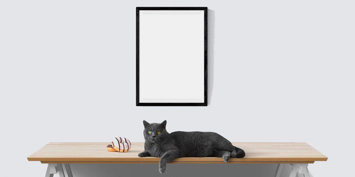 Как повесить картину или фоторамку при помощи вилки