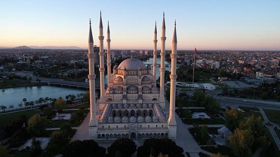Турецкие мечети будут вырабатывать энергию с помощью ветра