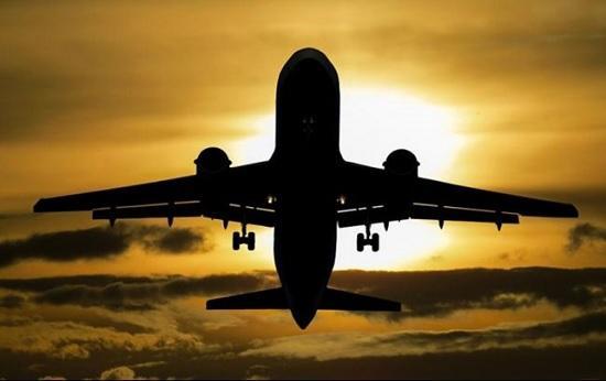 Почему в салоне самолёта пропадает свет при взлёте и посадке