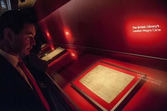 Туристы помешали краже Великой хартии вольностей