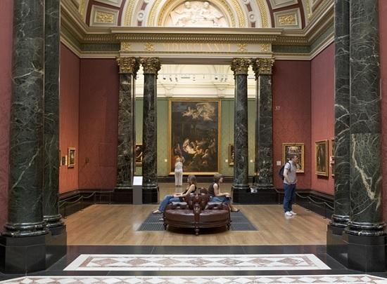 Застрял дома? Известные музеи предлагают виртуальные туры, которые вы можете посетить, сидя на диване