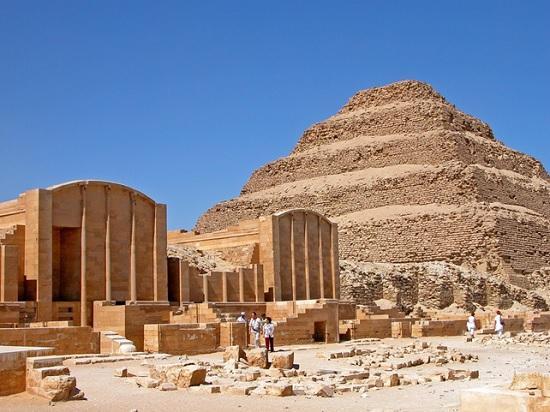 Древнейшую пирамиду Египта открыли для туристов