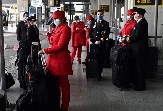 Майорка и Канары готовятся к сезону: туристы будут загорать на удалении 2 метров, запрещены шведские столы и рукопожатия