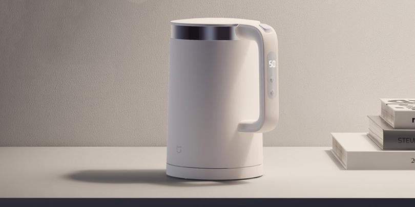 Xiaomi представила умный чайник с дисплеем и функцией термоса