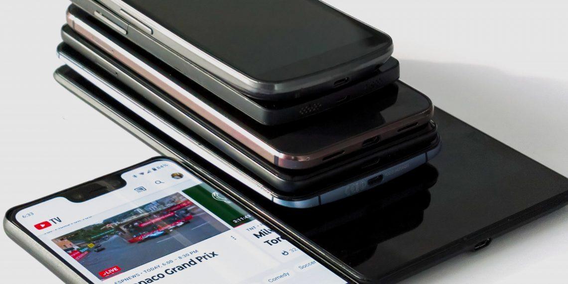 Опрос: какой смартфон продержался у вас дольше всего?