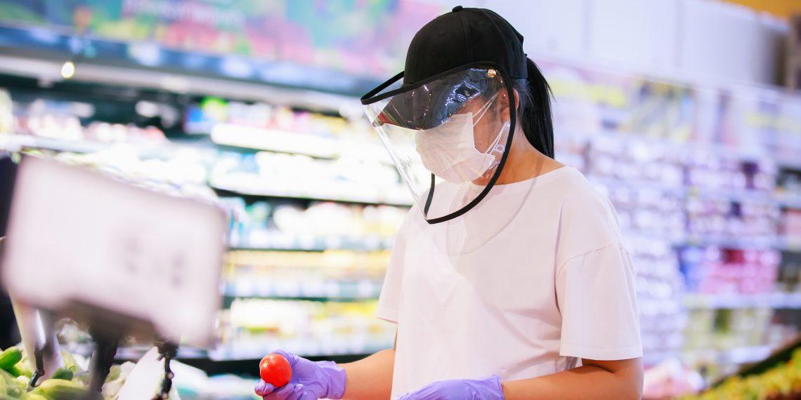 Лицевой щиток защищает от коронавируса не хуже, чем медицинские маски