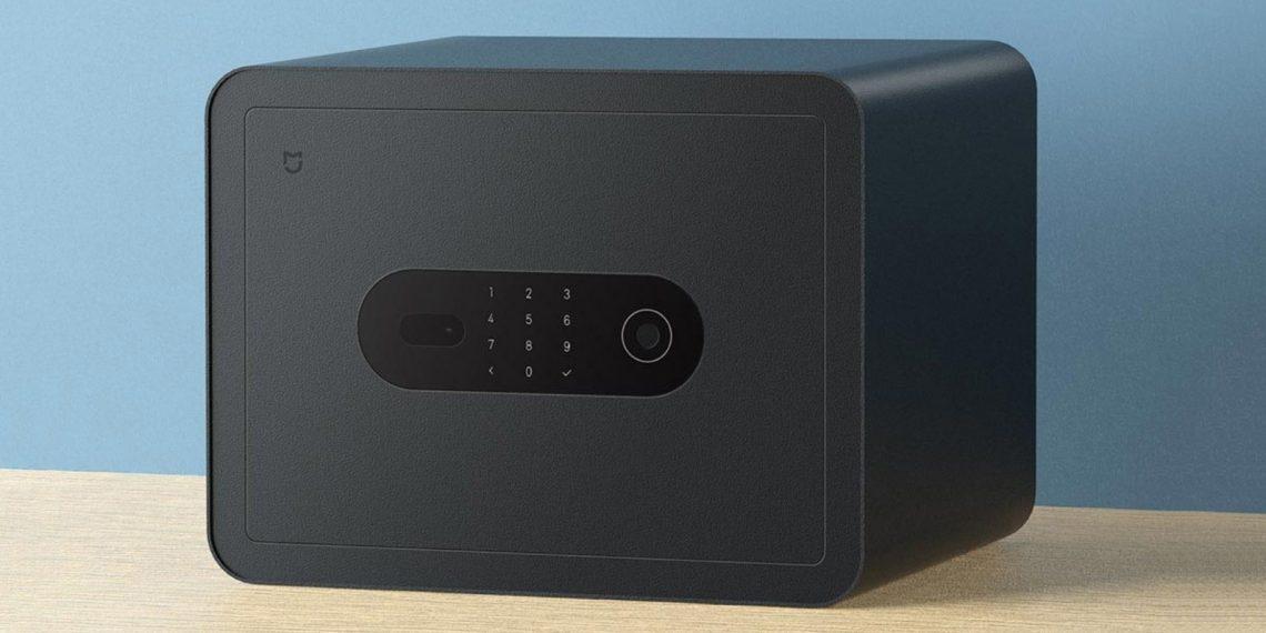 Xiaomi показала сейф со сканером отпечатков пальцев