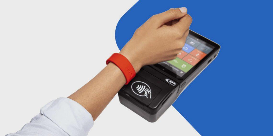 Elari SmartPay — браслет для бесконтактной оплаты