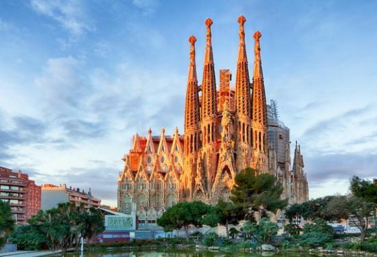 Массовый отток туристов с курортов — призраков Испании – страна уверенно погружается в дефолт