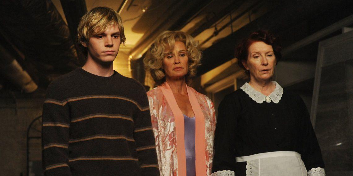 Тред: 14 сериалов, которые стоит посмотреть в Хеллоуин