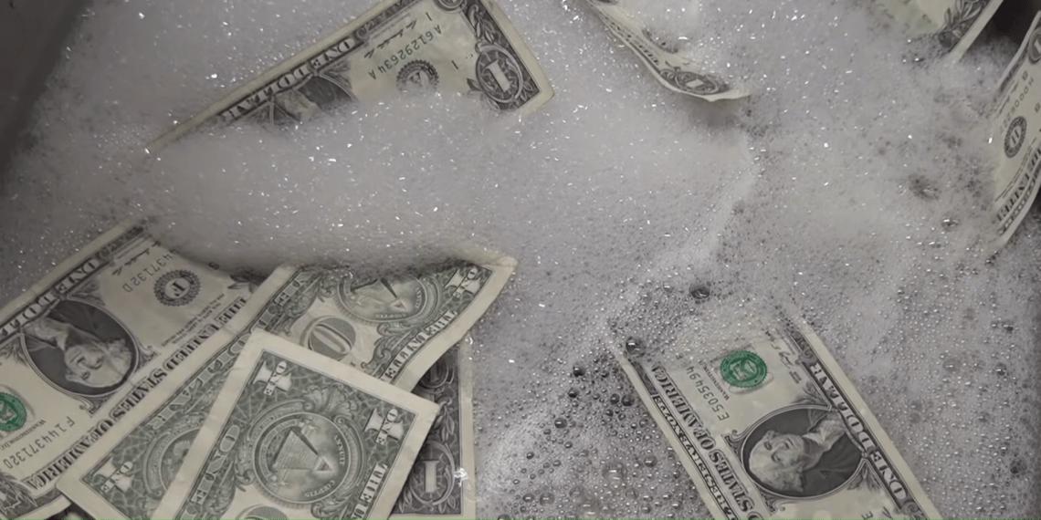 Что делать, если постирал деньги в стиральной машине