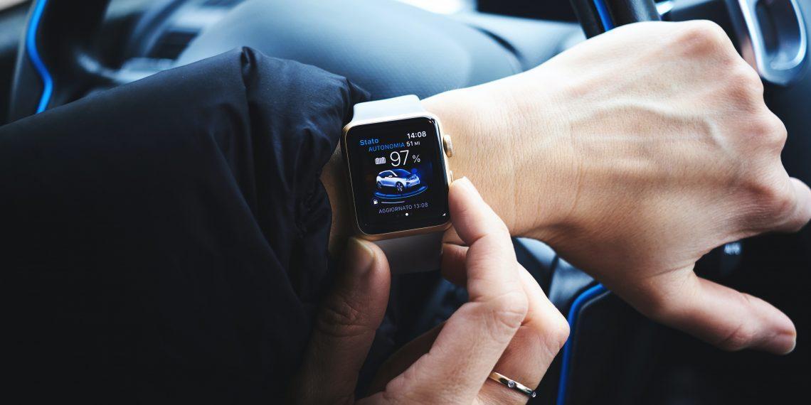 Пользователи жалуются на перегрев Apple Watch SE
