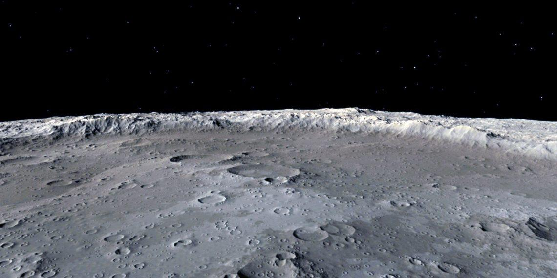 Учёные NASA официально объявили, что нашли воду на солнечной стороне Луны