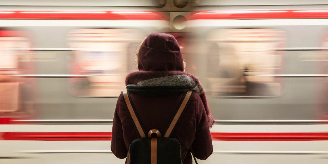 Лайфхак: как вернуть вещи, оставленные в вагоне метро