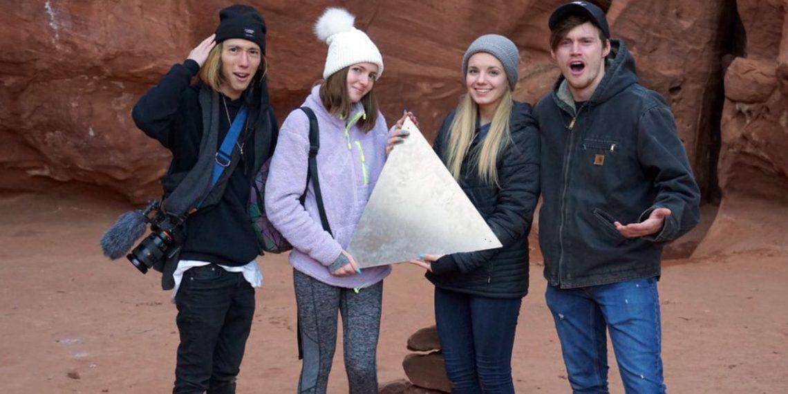 Таинственный стальной монолит из пустыни Юты исчез