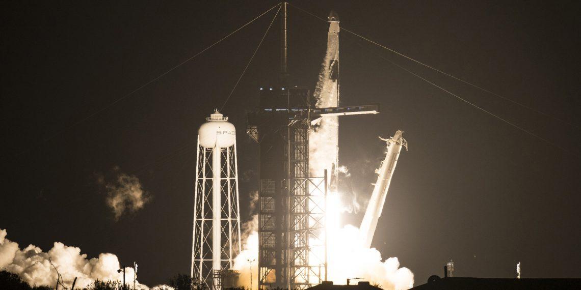 SpaceX провела второй успешный запуск миссии Crew Dragon. Теперь с четырьмя астронавтами