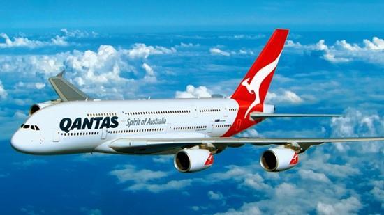 Qantas — авиакомпания предупредила, что допустит на борт только туристов с прививкой от ковида