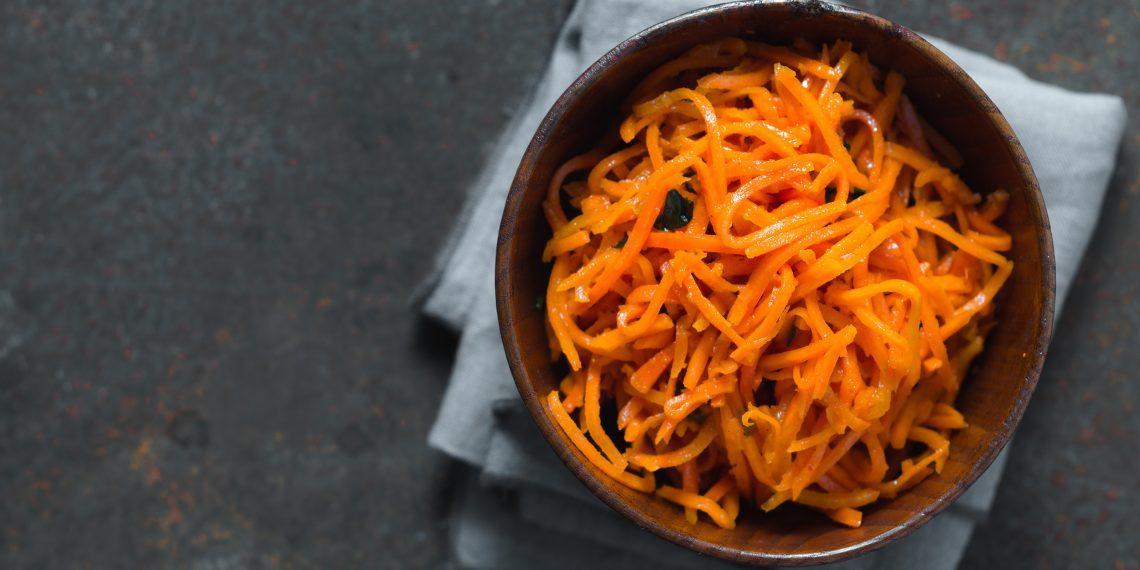 12 салатов с корейской морковью, которые первыми исчезают со стола