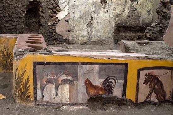 В древнеримских Помпеях откопали уникальную находку — античный фаст-фуд для туристов