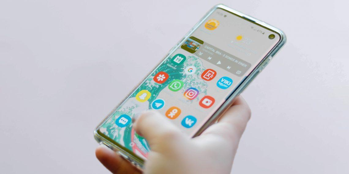 Samsung раскрыла график обновления до Android 11