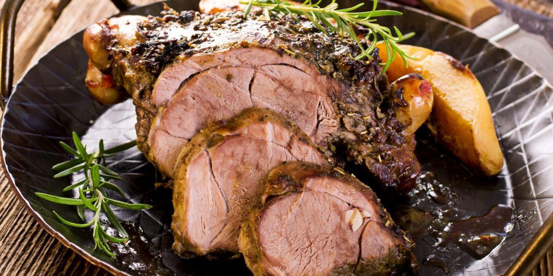 Как приготовить сочное мясо в духовке: 10 лучших рецептов