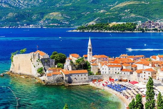 Популярная у туристов из России страна Средиземноморья разрешила не проходить тесты и не сидеть на карантине