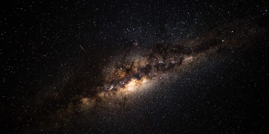 Фотограф показал впечатляющее фото Млечного пути