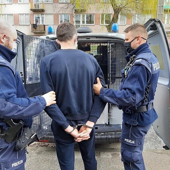 В Варшаве задержали украинского туриста, который нарушил правила ПДД и оказывал яростное сопротивление при задержании