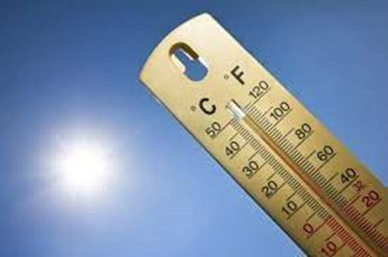 Отдыхающих теперь не спасает даже море: в Египте держится температура +40°C