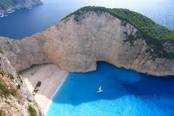 Бухта Наваджо Греция